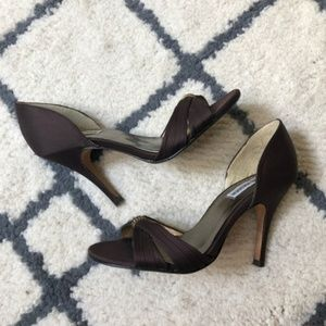 Steve Madden brown peep toe heels